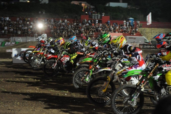 F.M.I. INTERNATIONAL SUPERCROSS ITALY SERIES BY 24MX !!